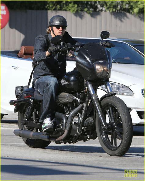 Motorrad Film Sunday by Charlie Hunnam Motorcycle Ride On Emmys Sunday Photo