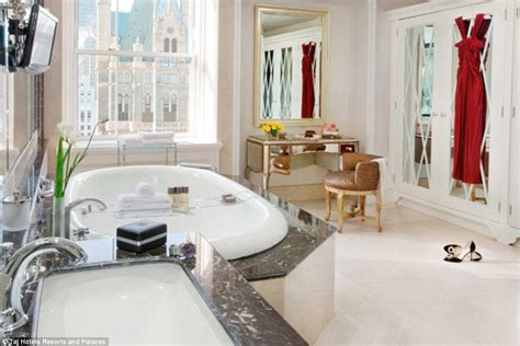 Bathroom Furniture Nyc New York City S Most Expensive Apartment Costs 500 000 A Month Daily Mail