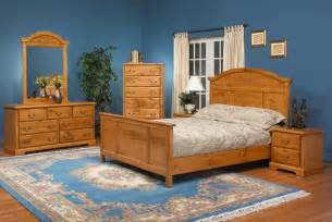 the colors of pine bedroom furniture homedee com amazon com 4pc solid pine queen size bed complete