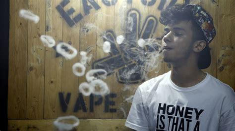gambar keren vape gambar orang merokok vape keren