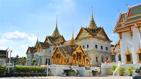 thai palace grand palace emerald buddha temple half day bangkok