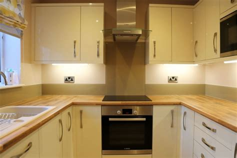 Kitchen Glass Upstands by Kitchen Glass Splashback Finished In Cappuccino Pro Glass 4