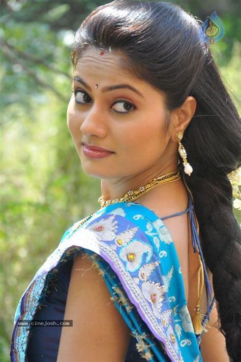 rebond hair in sri lankan actress suhasini stills photo 10 of 108