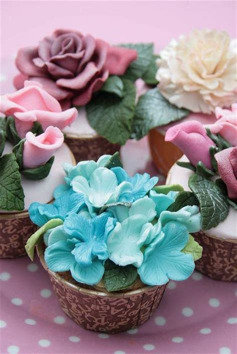 beautiful cupcake beautiful floral cupcakes to make your wedding special