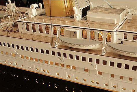 cardboard lifeboat titanic model