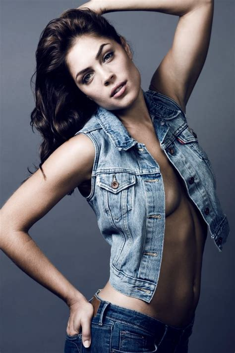kelly thiebaud pregnant in real life picture of kelly thiebaud