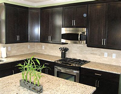 backsplash for espresso cabinets 1000 ideas about espresso cabinets on