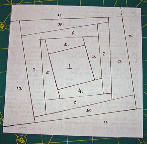 Patchwork Foundation Piecing - how to quilt with paper foundation piecing craftstylish