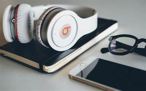 Headset Beats Hd Headphone beats headphones widescreen wallpaper 58690 2880x1800 px
