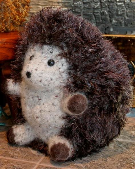 felt pattern hedgehog ft228e felt huggable hedgehogs pdf fiber trends