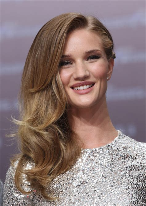 rosie huntington side parted lob more pics of rosie huntington whiteley long side part 23