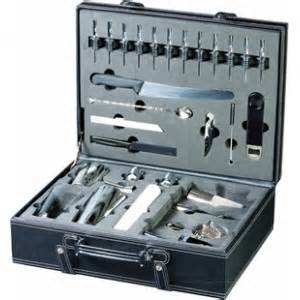 Professional bartenders 33 piece kit in leather case