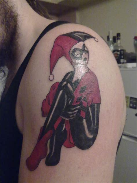 tattoo quin harley quinn tattoo shoulder tattoo batman tattoos