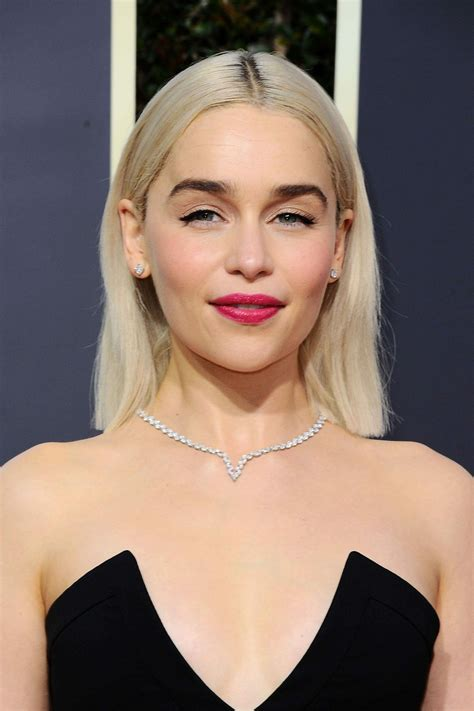 emilia clarke golden globe awards 2018