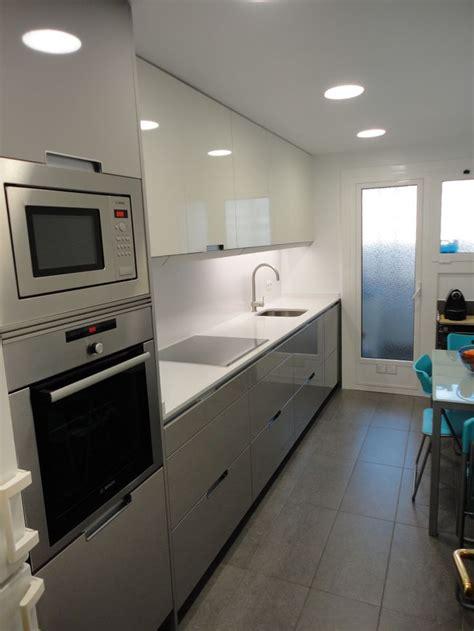 la cocina y los 8483067447 m 225 s de 25 ideas fant 225 sticas sobre cocinas gris blanco en armario blanco y cocinas