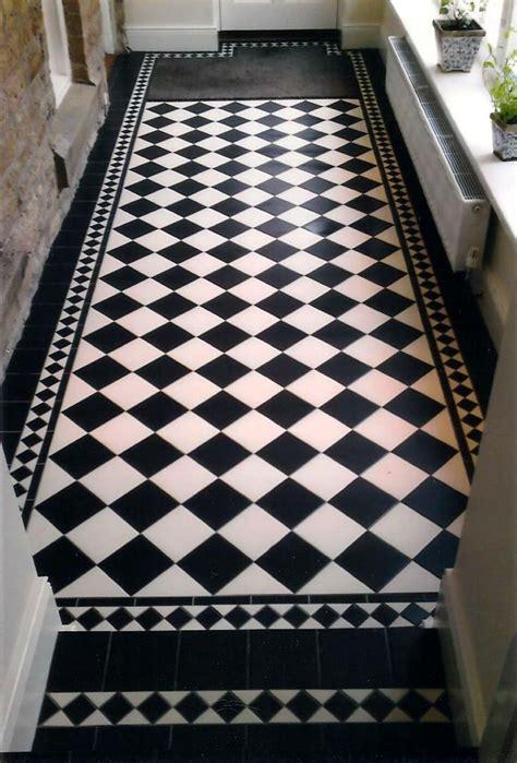 Schwarz Weiss Fliesen by Best 25 Tiled Floors Ideas On Neutral Open