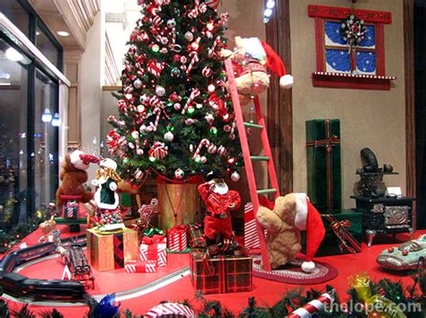 christmas window stores the lope