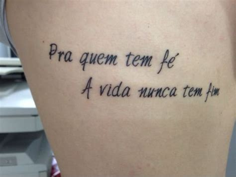 frase na costela tatuagem com tatuagens tattoo