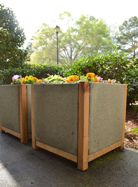 Paver Planters by How To Build A Paver Planter Dihworkshop Mod Podge Rocks