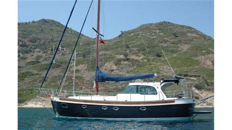 sailing boat average speed luxury sailing yacht for sale 3 cabins small sailing boat