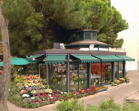 chiosco di fiori chioschi fiori realizzazione chiosco piante e fiori