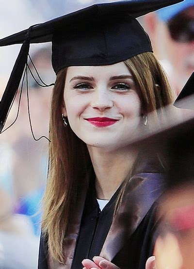 hairstyles to attend a graduation 15 ideas of short hairstyles with graduation cap