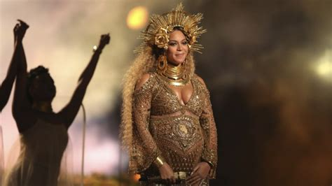 beyonce grammys watch beyonce s stunning performance at the grammys video