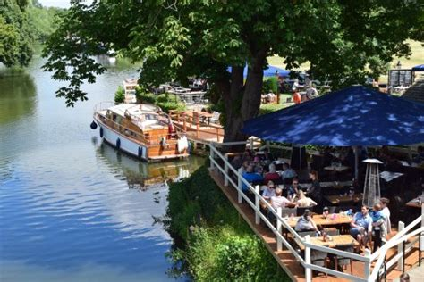 abingdon boat trips the nags head on the thames abingdon restaurant reviews