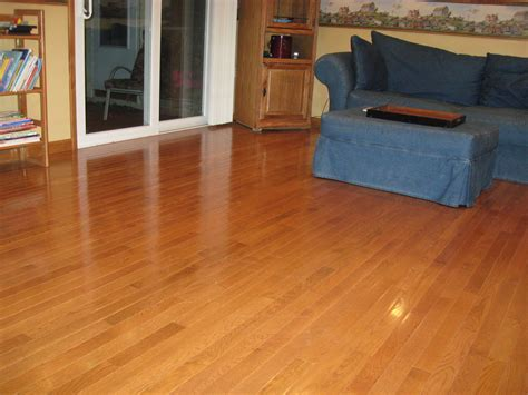 Decorating: Nice Bruce Hardwood Floors For Cozy Home