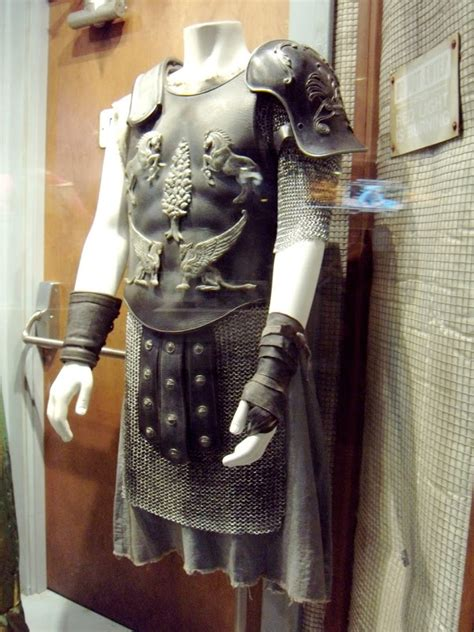 gladiator film costumes hollywood movie costumes and props russell crowe and