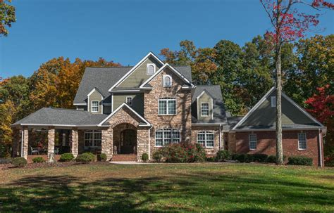 2621 brenon wood ln signal mountain tn for sale