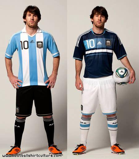 Kaos Foto Lionel Messi Hitam seragam baru buat messi dan dari adidas bola net