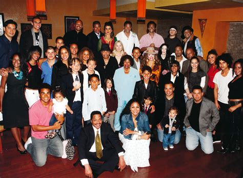 biography of michael jackson family the jacksons jackson source updates about the jacksons