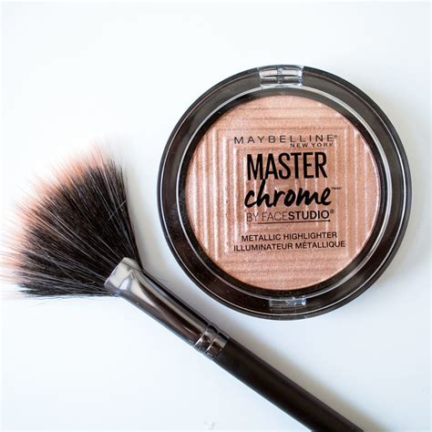Maybelline Master Chrome we tried the maybelline master chrome metallic highlighter