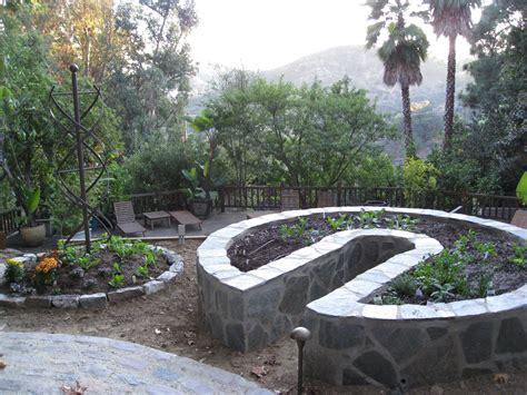 Keyhole Gardening by New Keyhole Garden For Gardenerd