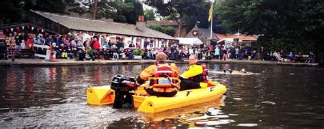 linlithgow cardboard boat race 2018 linlithgow union canal festival 14 august 2016