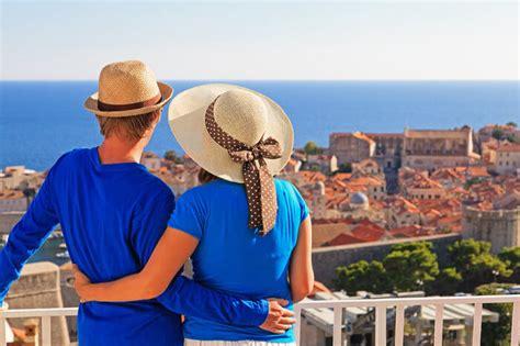 romantic places  central europe  couples