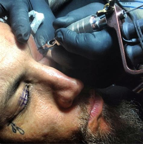 eye tattoo head head from korn got possibly the dumbest tattoo of all time