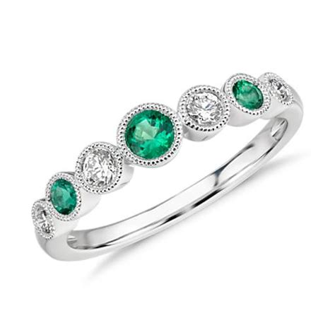 emerald and milgrain ring in 14k white gold blue