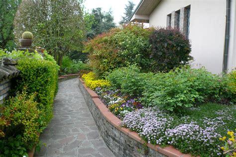 in giardino in giardino con i nipoti flora 2000
