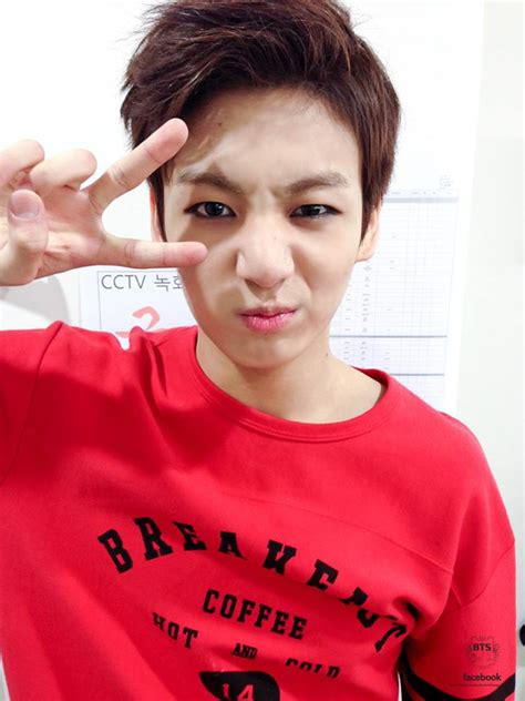 bts age style log 131106 jungkook in thisisneverthat navy