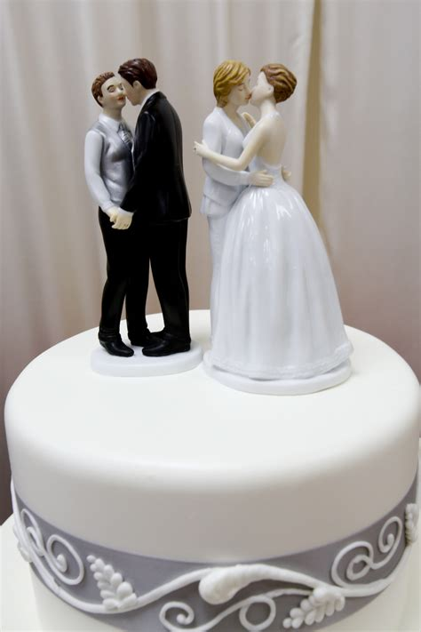 Bakery For Wedding Cakes by Former Oregon Bakery Owners Must Pay 135 000 For Denying