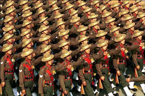 R 2004 Ala Army coupes claires ou coupes sombres les gurkhas paient le