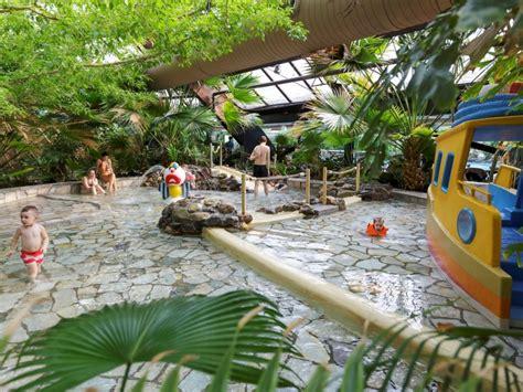Huttenheugte Schwimmbad by Alle Huisjes Op De Huttenheugte Center Parcs