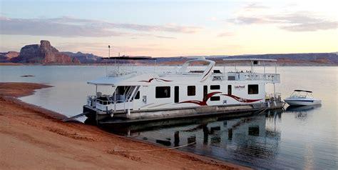 house boating magazine houseboating on lake powell travelworld international