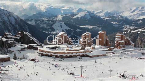 winterurlaub in den bergen hütte winterurlaub in den bergen royalty free and stock