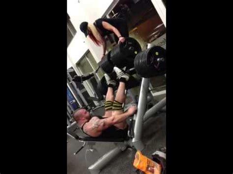 eddie hall bench press eddie hall 100kg dumbbell press 7 reps strength asylum gym doovi