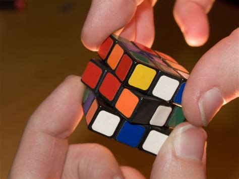after solving one sided rubik s cube here s the secret to solving the rubik s cube in 5