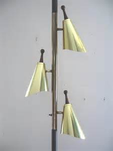 Short Glass Vase Mid Century Modern Brass Cone Tension Pole Lamp Light