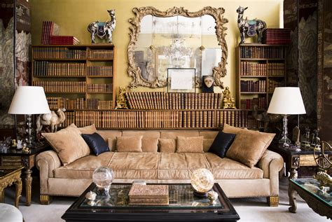 coco chanel couch places coco chanel s paris apartment belgrave crescent